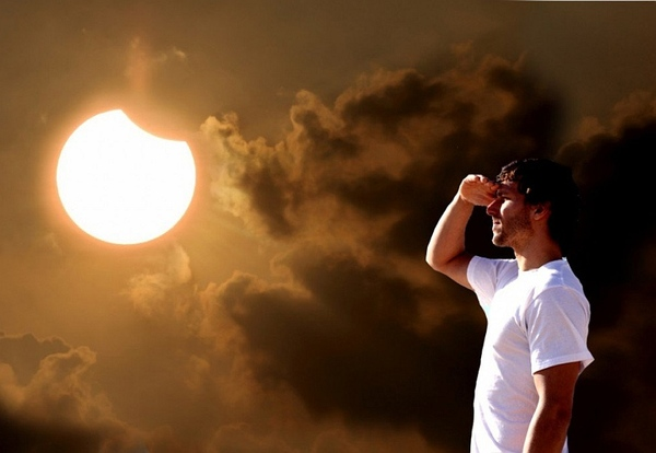 Guy-looking-Eclipse.jpg